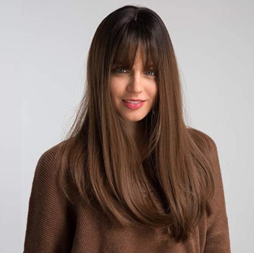 Parrucca con capelli sintetici, marrone chiaro.